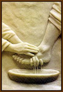 sculpture-Jesus washing feet